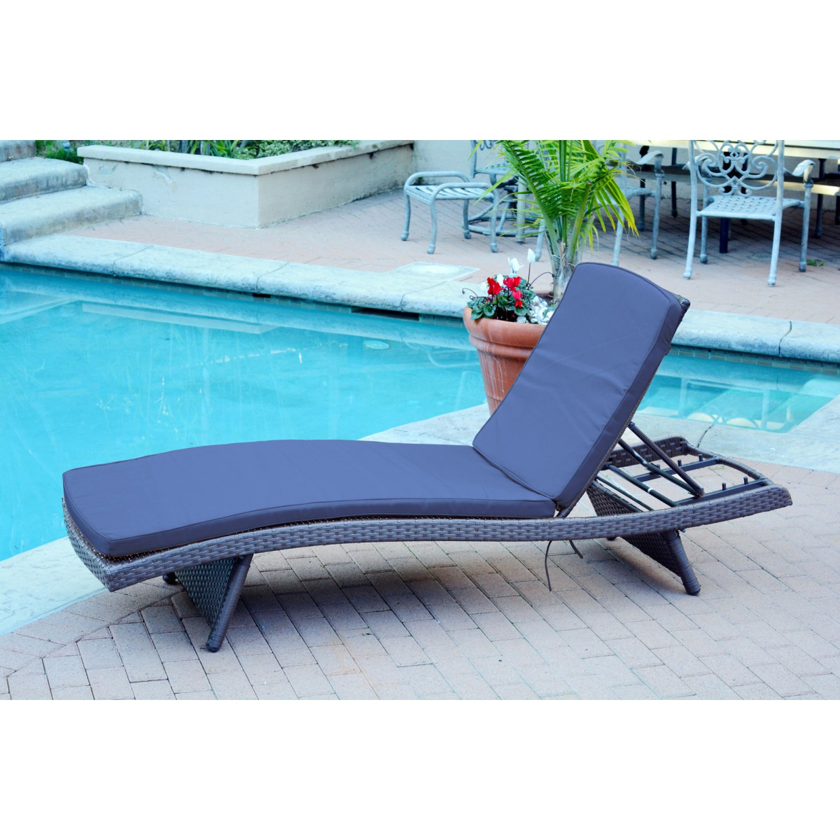 Outdoor wicker patio furniture chaise lounger with navy for 23 w outdoor cushion for chaise